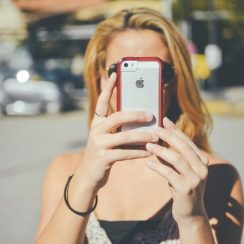cropped-girl-with-phone1.jpg